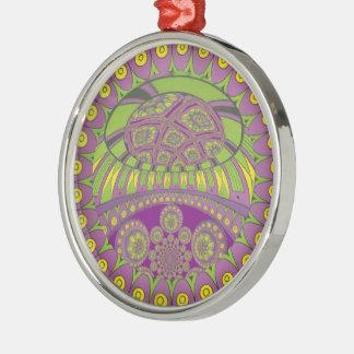 Dekorativer ethnischer Rüttler der bunten Silbernes Ornament