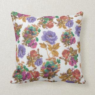 dekoratives Kissen der bunten schönen Blume