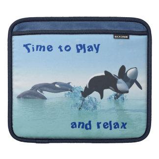 Delphine und Schwertwals iPad Sleeve
