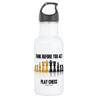 Denken Sie, bevor Sie Taten-Spiel-Schach Trinkflaschen