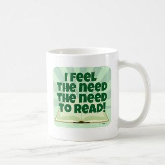 Der Bedarf zu lesen Kaffeetasse