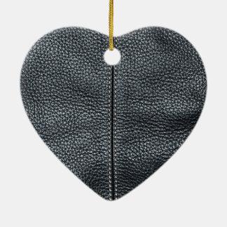 Der Blick des Weiche genähten schwarzen ledernen Keramik Herz-Ornament