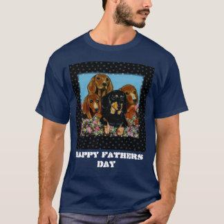 Der dunkle T - Shirt der Männer