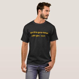 Der dunkle T - Shirt der Unternehmer-Männer