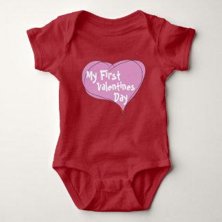 Der erste Valentinstag des Babys Baby Strampler