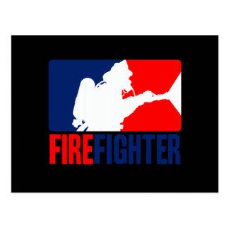 Der Feuerwehrmann-Schlagzeilenverfasser in den Tri Postkarte