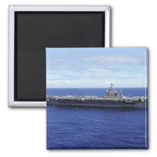 Der Flugzeugträger USS Abraham Lincoln 2 Quadratischer Magnet