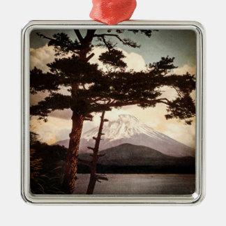 Der Fujisan durch die Kiefern Vintages altes Japan Quadratisches Silberfarbenes Ornament