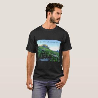 Der Gletscher-Gebirgswiesen-schwarzer T - Shirt