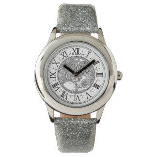 Der Glitzer-Bügel-Uhr des Kindes silberne Uhr