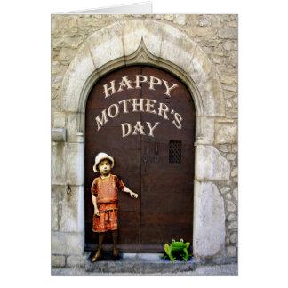Der glückliche Tag der Mutter, kleines Mädchen und Karte