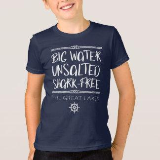 Der große See: Groß, ungesalzen, Haifisch-frei T-Shirt