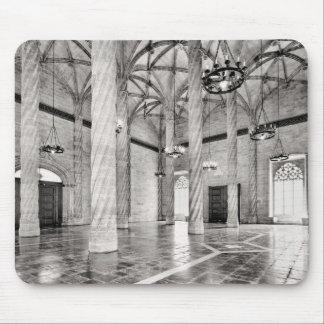 Der Hall der Spalten in Valencia Mousepad