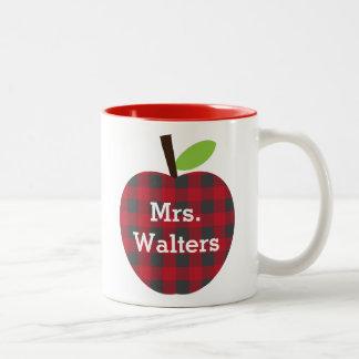 Der karierte Apple des personalisierten Lehrers Zweifarbige Tasse