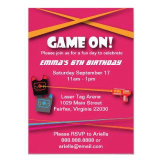 Der Laser-Umbau-Geburtstags-Party des rosa 11,4 X 15,9 Cm Einladungskarte