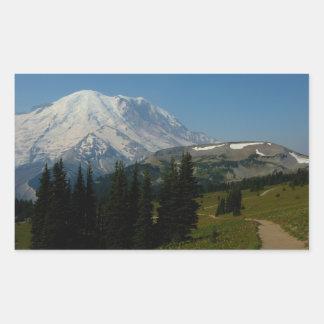 Der Mount Rainier von der Sauerteig-Ridge-Spur Rechteckiger Aufkleber