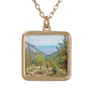 Der Mount- Whitneyhinteransicht #1: Die Ansicht; Halskette Mit Quadratischem Anhänger