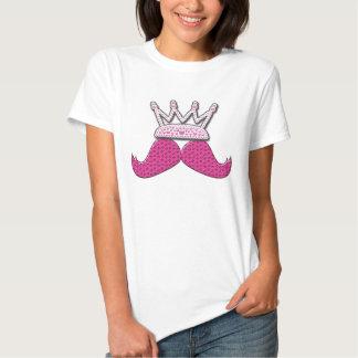 Der niedliche rosa gedruckte Schnurrbart perlt Shirts