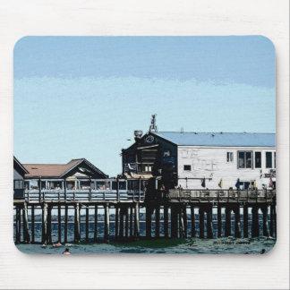 Der Ozean und der Pier am alten Obstgarten-Strand Mauspads