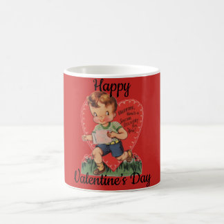 Der Retro Junge des Valentinsgrußes mit Herzen Kaffeetasse