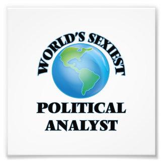 Der sexyste politische Analyst der Welt Fotografische Drucke