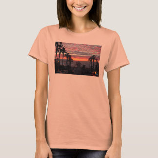 Der Sonnenuntergang T Neptun-Frauen T-Shirt
