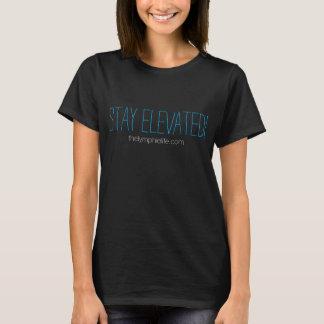 Der T - Shirt der Aufenthalt-erhöhten