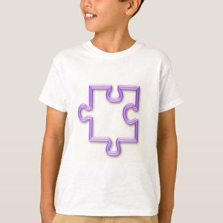 Der T - Shirt des zackiges Ausschnitt-Kindes