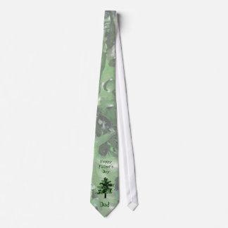Der Vatertags-Grün-Baum-Silhouette Personalisierte Krawatte