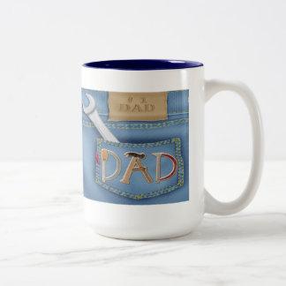 Der Vatertags-Tassen Werkzeug- Zweifarbige Tasse