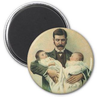 Der Vintage Vatertag, Mann, der Dreiergruppe-Babys Runder Magnet 5,7 Cm