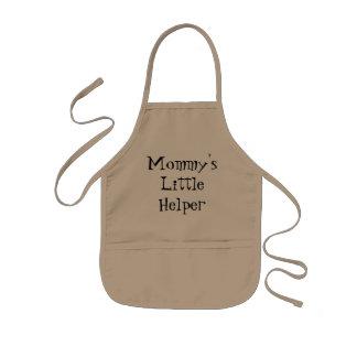 Des kleines die Schürze der Helfer-Kindes der Mama
