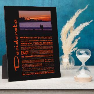 Desiderata-Gedicht-romantische Paare am Fotoplatte