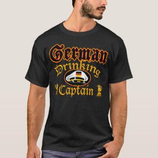 Deutsches trinkendes Cptn T-Shirt