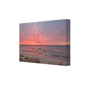 Dezember-Sonnenuntergang auf Michigansee bei Mears Leinwanddruck