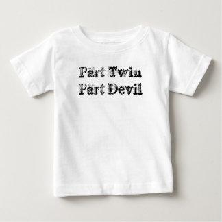 Diable jumeau de pièce de partie tee shirt