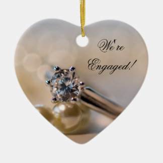 Diamant-Ring und Perlen-Verlobung Keramik Herz-Ornament