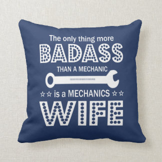 Die Ehefrau des Mechanikers Kissen