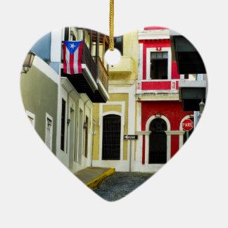 die Farbe von altem San Juan Puerto Rico Keramik Herz-Ornament