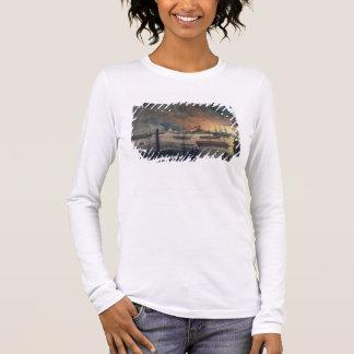 Die Feuersbrunst von Dalla auf dem Rangun-Fluss, p Langarm T-Shirt