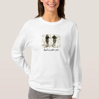 Die Mädchen gehen Ski zu fahren T-Shirt
