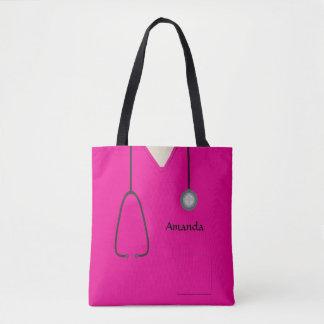 Die medizinische Krankenschwester scheuert Pink Tasche