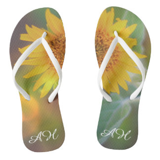 Die mit Monogramm Sonnenblumeblüte dreht Flip Flops