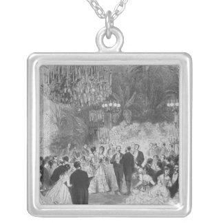 Die Montage der Kaiserin Eugenie an Halskette Mit Quadratischem Anhänger