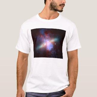 Die NASA - X-Strahl-Sichtbar-Infrarotbild von M82 T-Shirt