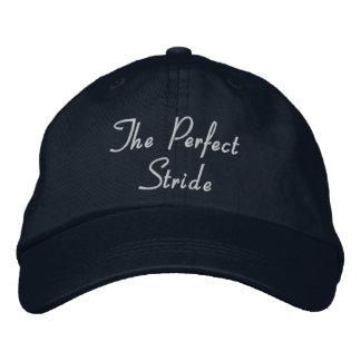 Die perfekte Schritt-Baseball-Mütze - weißer Text Bestickte Kappe
