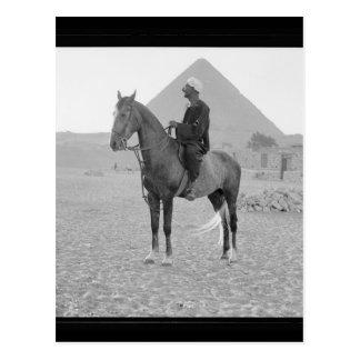 Die Pyramiden von Giseh mit Reiter circa 1934 Postkarte