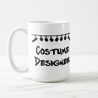 Die Tasse des Kostüm-Designers