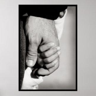 Die vertrauende schützende Liebe eines Vaters Poster