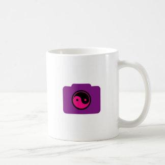 Digitalkamera mit dem Ying Yang-Symbol Kaffeetasse